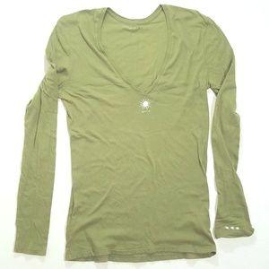 Average Girl Tee long sleeve green deep v-neck C7